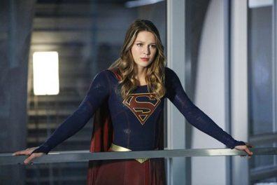 supergirl-season-2-medusa-crossover-image-11