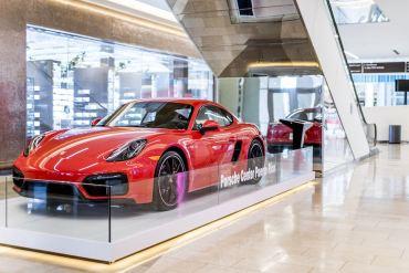 Garage Europa Porsche Center Puerto Rico en The Mall of San Juan
