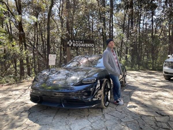 Porsche Taycan lanzamiento regional