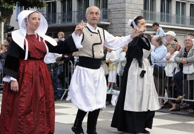 Breton Dance Fest Noz Saint Yves Qingdao