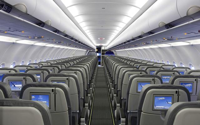 Qingdao Airlines Flies A320
