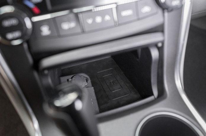 2015 Toyota Camry Qi Wireless Charger