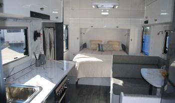 2020 Millard M-Flow 1960 Caravan full