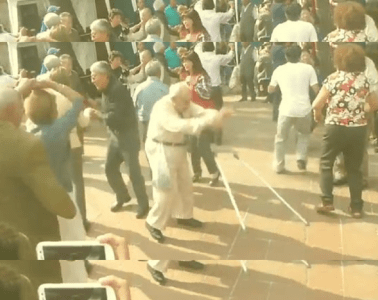 abuelo bailando