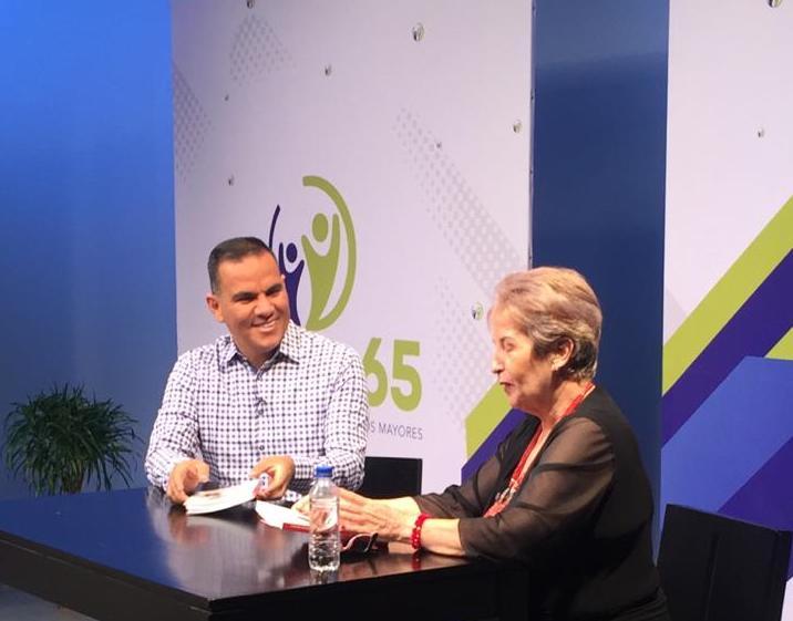 Juan José Granados, coproductor del programaSomos 65+, emitido enTrece Costa Rica Televisión.