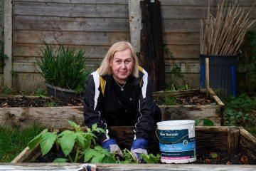 dolor jardinería personas mayores