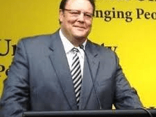 Glenn Lazarus Calls For Royal Commission Into Coal Seam Gas Sector