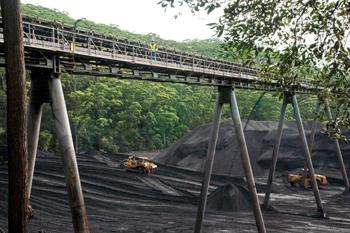 peabody-metropolitan-coal-mine-stock-pile