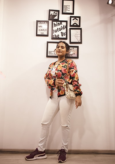 Bollywood Singer Shilpa Surooch