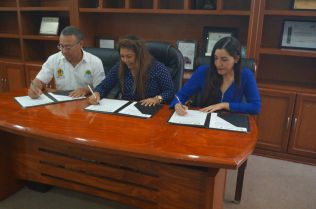 Firma IFEQROO convenio de colaboración con ayuntamiento de Tulum 3
