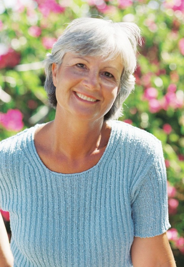 Living 50 Plus Grow Gray Hair Out Gracefully Newspaper