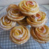 ROSENMUFFINS MIT ÄPFELN Muffin Rosen #Backen #Food #Rezept