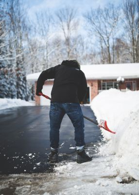 Working In a Cold Thermal Environment- Winter Safety Tips