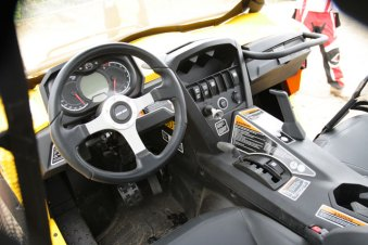 Commander_Cockpit