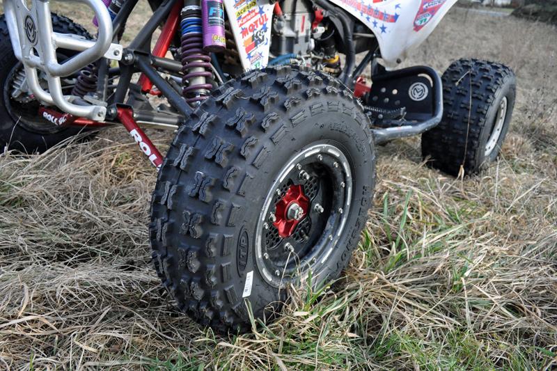 Machen sich gut auf der Honda: Der Holeshot SR lies sich prima montieren und entspricht den Erwartungen.