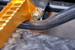 Des Pudels Kern: Bremspedal schlägt an Fußraste und beendet somit weiterführende Testfahrten.