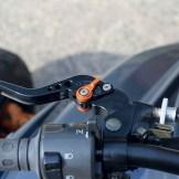 Aus dem Zubehör: Verstellbare Klapphebel für Kupplung und Bremse.