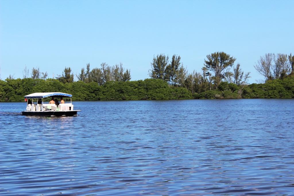Resultado de imagem para Lagoa Marapendi