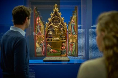"""Ausstellungsansicht """"Heilige Nacht"""" Foto: Liebieghaus Skulpturensammlung"""