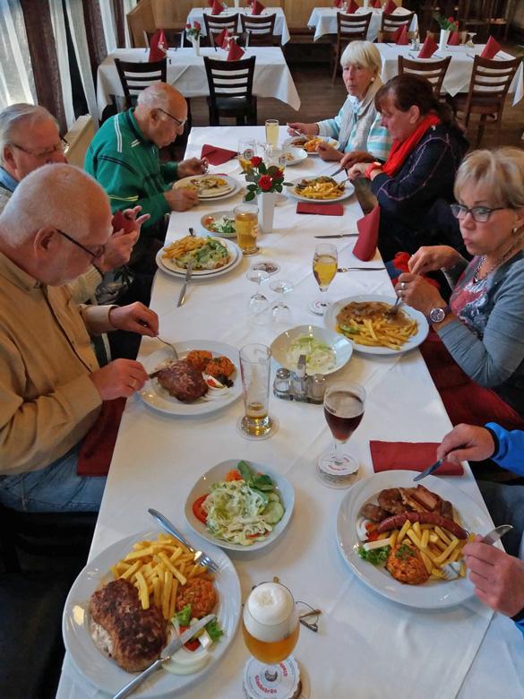 Essen im Bürgerhaus Dudenhofen