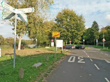 Abfahrt-zur-Mainfaehre-in-Rumpenheim