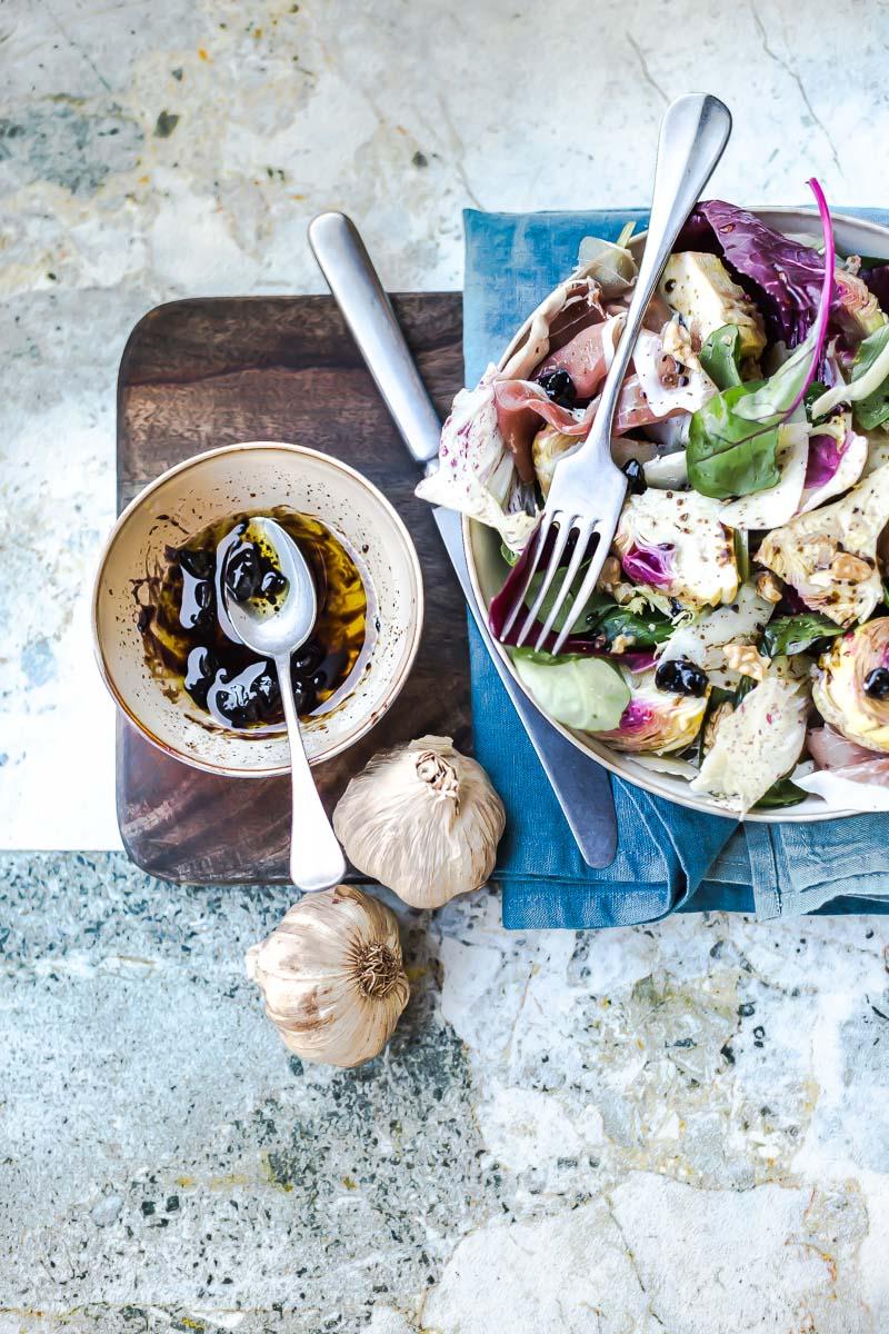 Salade trévises vinaigrette à l'ail noir - Magali ANCENAY