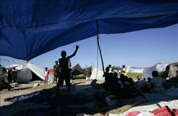 México dona 10.000 carpas a Haití para refugiar a las víctimas del sismo