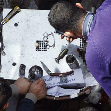 Los seguidores de Mubarak salen a las calles de El Cairo a 'cazar' periodistas