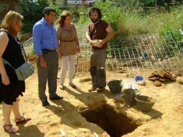 Descubierta una nueva tumba romana con policromías en el entorno de la Necrópolis de Carmona