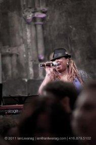 Carolyn-T-Singer-Voice-Performance-Coach-Motivational-Speaker-Actor-photo-by-Ian-Liwanag1.jpg