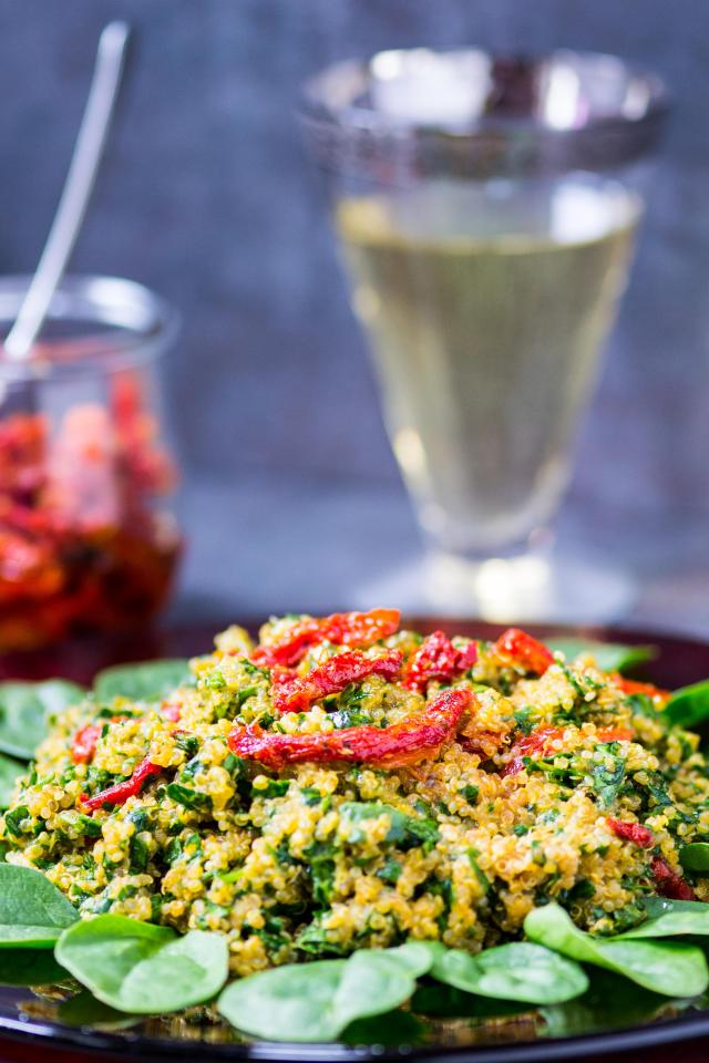 """Spinach Parmesan Quinoa is a delicious gluten-free side dish that requires only 5 ingredients, takes just minutes to prepare, and checks the box for both """"starch"""" and """"vegetable"""". 