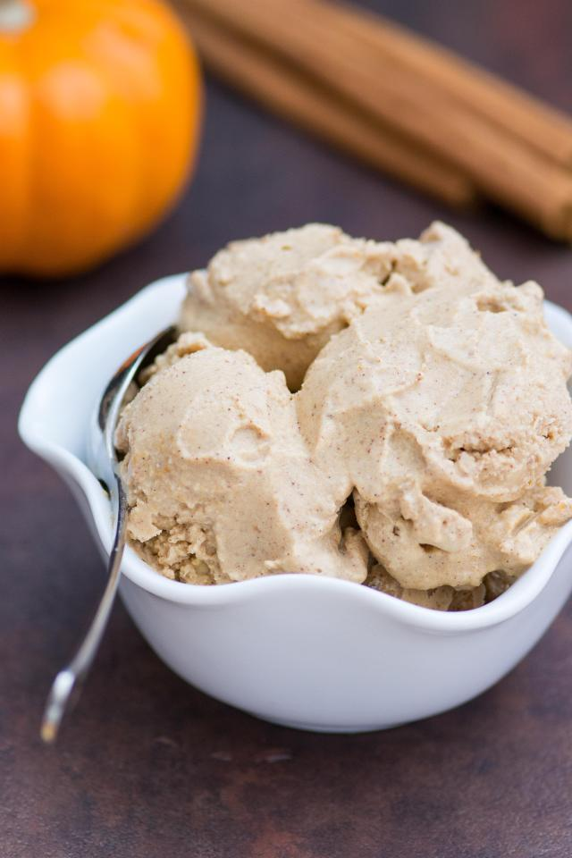 Dairy-Free Spiced Maple Pumpkin Gelato - Classic pumpkin flavor in a cool, creamy gelato that's gluten-free, diary-free, and contains no refined sugar. | QueenofMyKitkchen.com