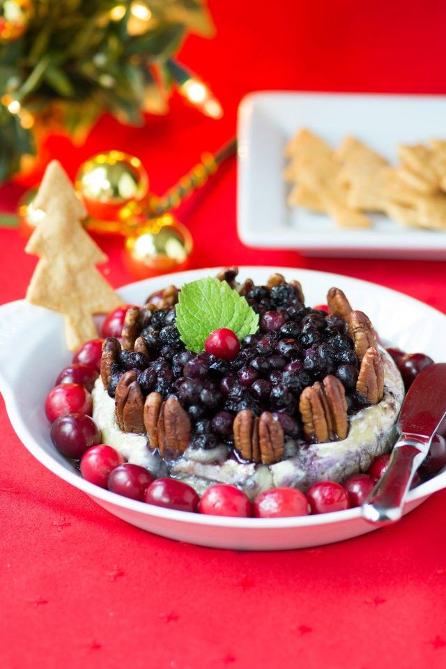 Wild Blueberry Pecan Baked Brie with Holiday Spices - An easy, delicious, and festive holiday appetizer using frozen wild blueberries. Sponsored by @wildbberries #thereciperedux| QueenofMyKitchen.com