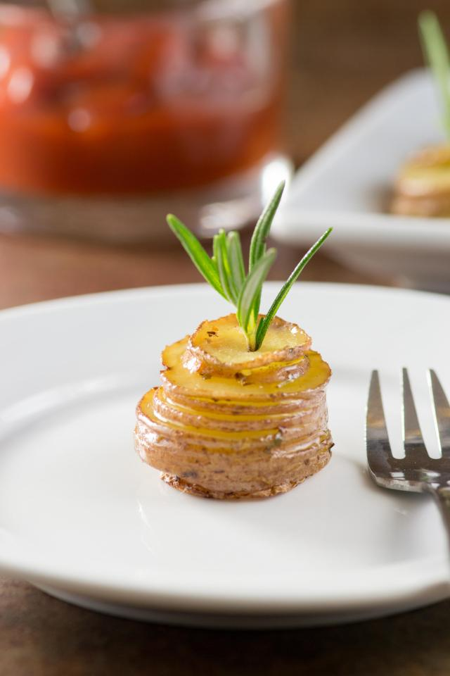 Roasted Baby Potato Stacks are a great way to carbo-load as well as a beautiful and delicious dinner party appetizer. #AD | QueenofMyKitchen.com