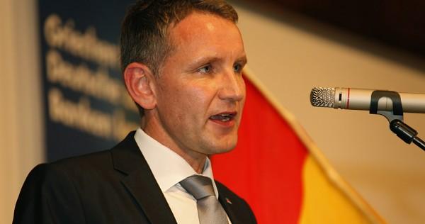 Neue homofeindliche Kampagne der AfD Thüringen: Landes- und Fraktionschef Björn Höcke versucht, Klassenfahrten gegen die Hirschfeld-Tage auszuspielen (Bild: (cc) Metropolico.org / flickr)
