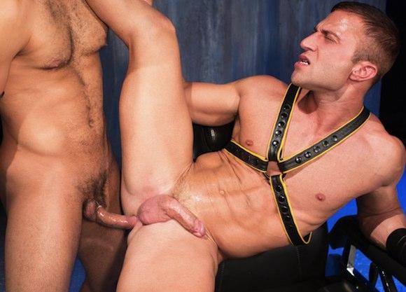 from Osvaldo gay leather blog