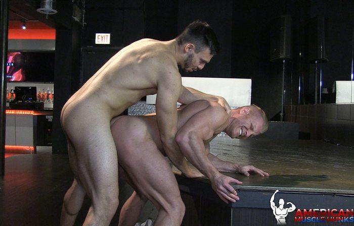 JohnnyV Gay Porn Star Bodybuilder Bottom Jason Maddox AmericanMuscleHunks
