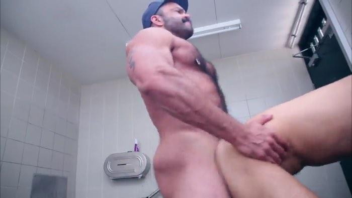 Big dick sex tranny