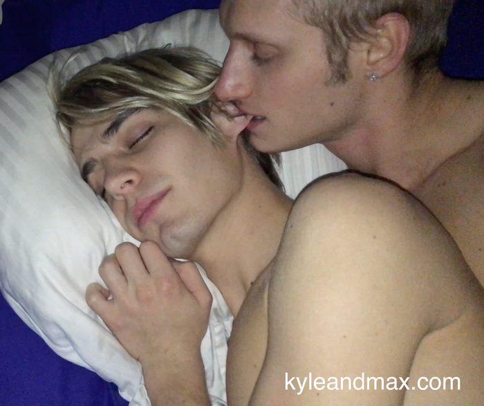 Kyle Ross Max Carter Bareback Sex Tape Gay Porn Twink
