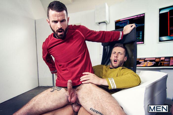 star-trek-gay-xxx-porn-parody-orgy-kirk-spock-chekov-scotty-mccoy-group-sex-9