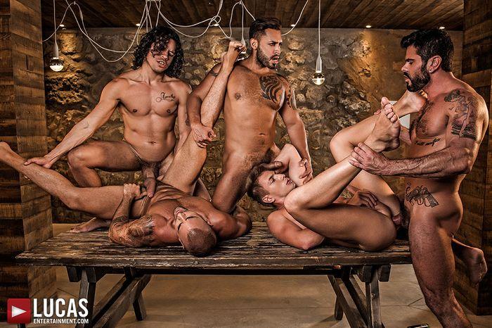 alejandro-castillo-viktor-rom-bogdan-gromov-mario-domenech-damien-crosse-gay-porn-2