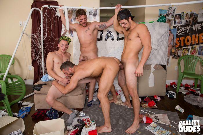 rod-peterson-gay-porn-bareback-gangbang-dickdorm-trevor-long-charlie-pattinson-7