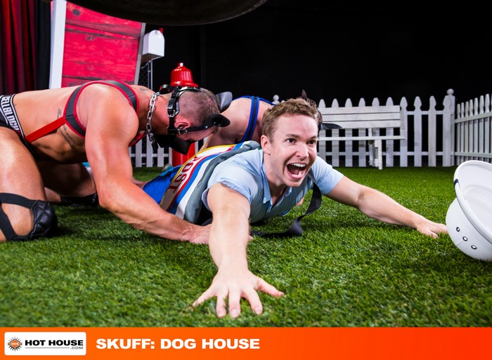 Skuff Dog House Gay Porn Gabriel Cross Michael Roman Jake Ashford