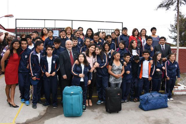 Escuela Especial es premiada con  viaje de estudios en Arica
