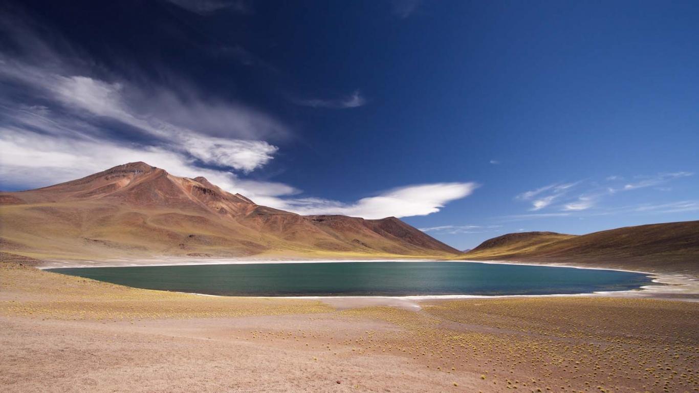 Lagunas Miscanti y Miñiques: Oasis de aguas turquesas en San Pedro de Atacama