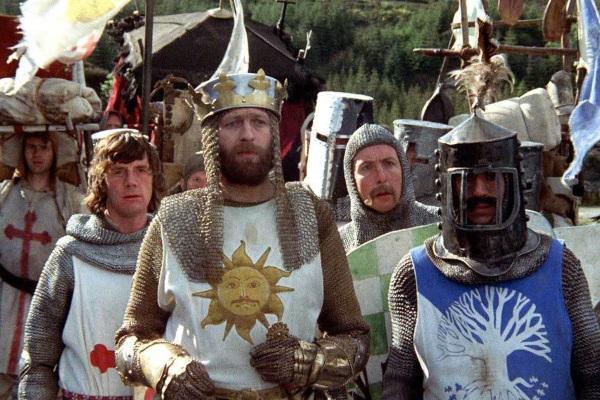 """""""Los caballeros de la mesa cuadrada"""": una visión muy particular de la Edad Media – Estamos de cine"""