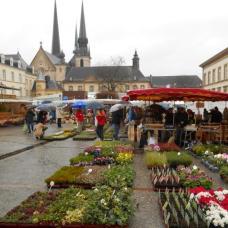Marché de Pâques de la place Guillaume II (Luxembourg)