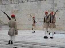Relève de la gardRelève de la garde devant le Parlement sur la place Syntagma (Athènes)