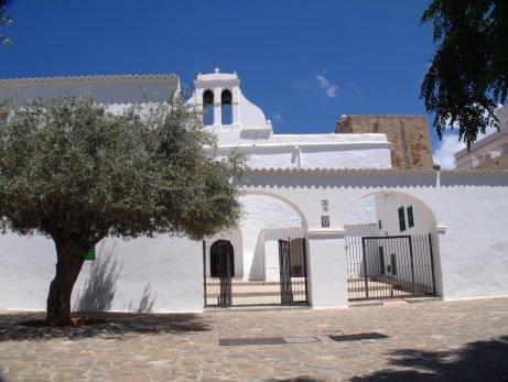 Eglise fortifiée de Sant Antoni de Portmany (Ibiza)