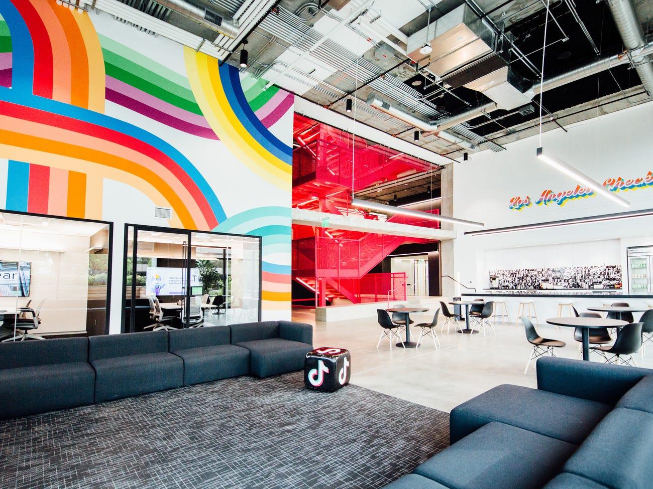 Así son las nuevas oficinas de TikTok en Los Angeles